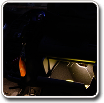 LED világítás autóba, kesztyűtartó
