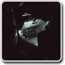 LED világítás autóba hátsó lábtér
